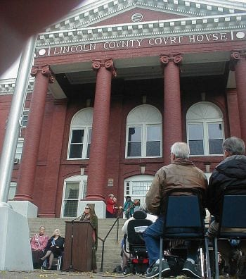 Rita Coolidge addresses the citizens of Lincoln County, Kentucky about her Cherokee heritage 2013